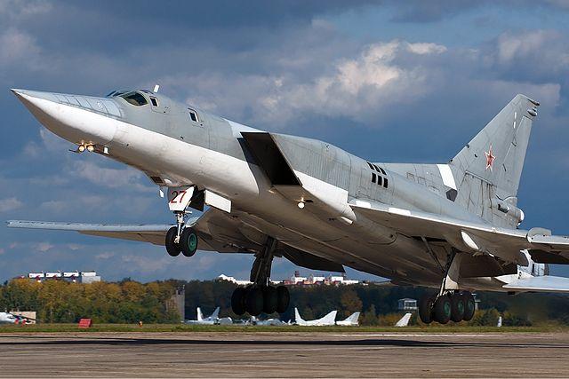 640px-Russian_Air_Force_Tupolev_Tu-22M3