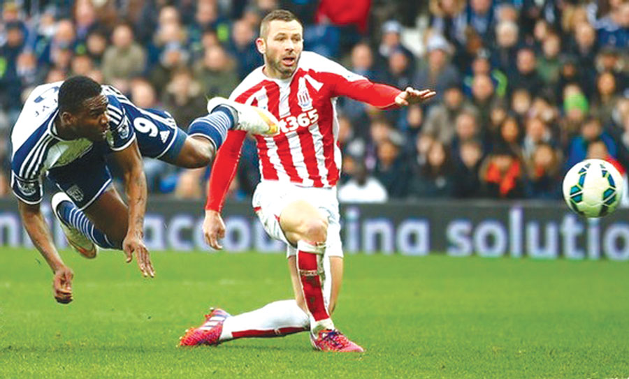 Brown Ideye's header for West Brom against Stoke City yesterday 											                                       //PHOTO: AFP