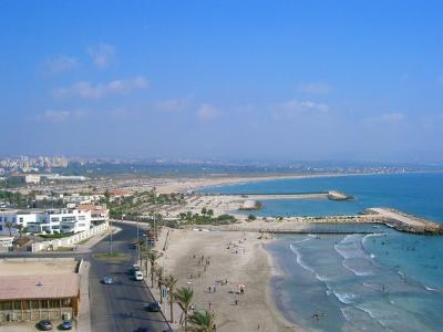 a peaceful Coast OF Lebanon. Image source lebanonbynet