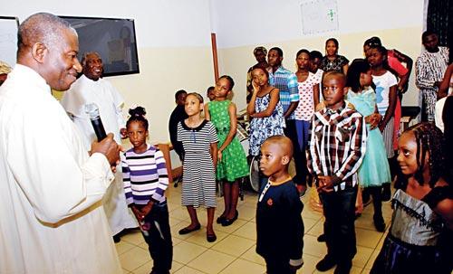 President Jonathan celebrating Easter with kids at Aso Rock Villa, Abuja...yesterday   Photo: NAN