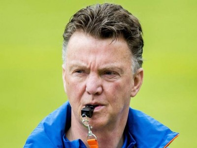 Louis Van-Gaal-retrounited