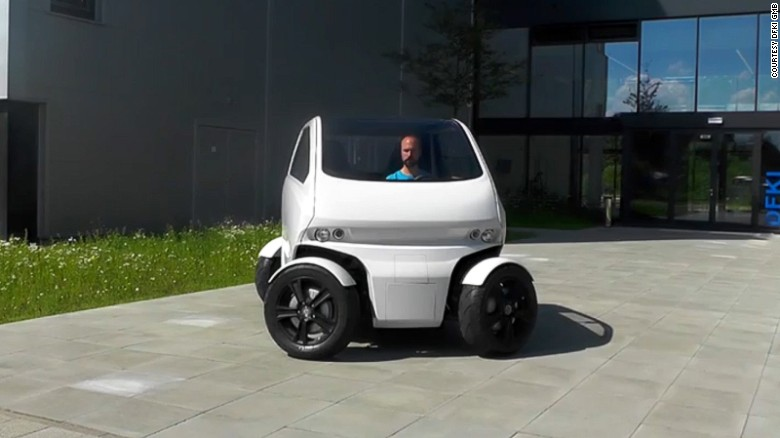 150507140335-eo2-smart-car-wheels-sideways-exlarge-169