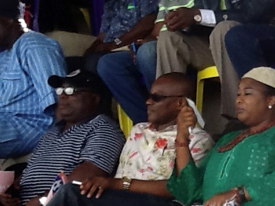 Regent of Apoi Land, Princess Adesola Ebiseni (third right), with some Ondo State Executive Council and FA members during the Week six Glo League game between Sunshine Stars and 3SC in Akure…at the weekend.                       PHOTO: CHRISTIAN OKPARA.
