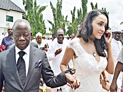 Edo State Governor, Adams Oshiomhole and his wife, Iara Fortes during the solemnization of their marriage at Iyamho in Etsako West Local Government of Edo State … yesterday.       PHOTO: GABRIEL IKHAHON