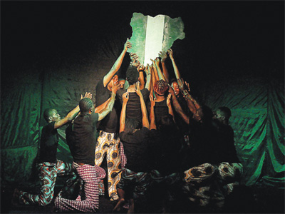 All hands on deck… just to keep Nigeria going: A performance of Dear Country last Sunday. A repeat performance happens today at Terra Kulture, Victoria Island, Lagos