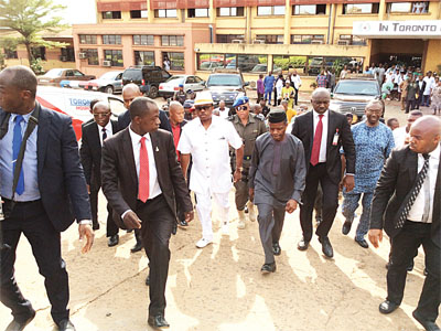 Vice President, Yemi Osinbajo and Governor Willie Obiano after paying visit to some victims in one of the hospitals