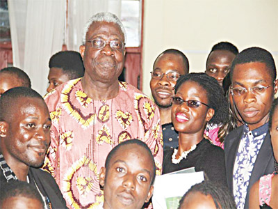 Osundare sorrounded by his fans