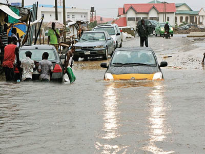 Flooding in Lagos... NIMET says the country would experience reduced rainfall, warmer-than-normal weather conditions, delayed onset (delayed rainfalls), as well as early cessation of rainfall and shorter length of growing seeds.