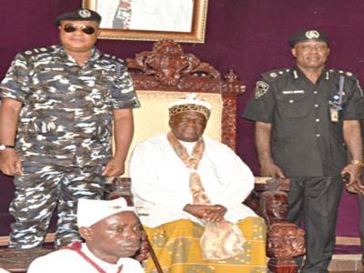 Ogunsakin and Obong of Clabar,  Edidem Abasi-Oku V in his palace