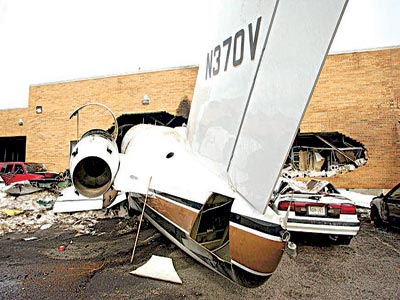 A fatal accident involving a private jet in a residential area