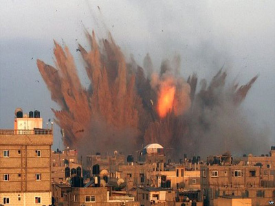 Explosion after Israeli air strike on rafah PHOTO: www.bbc.co.uk
