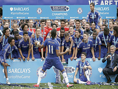 Defending champions, Chelsea, celebrating their 2014/2015 English Premiership title. The London club is still the team to beat this season.