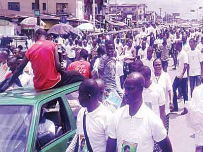 The protesters on Warri-Sapele Road… yesterday