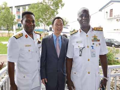 Rear Admiral Ibe Enwo (left), Acting Chinese Consular in Lagos, Li Young and Flag Officer Commanding Western Naval Command, Rear Admiral Jonah Ango; at a regimented party cocktail (RPC) for some Chinese naval personnel on diplomatic visit to Nigeria. PHOTO: ODITA SUNDAY