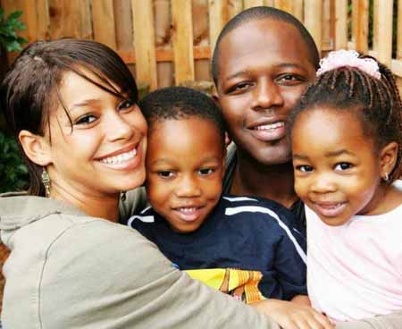 middle_class_family_764123037