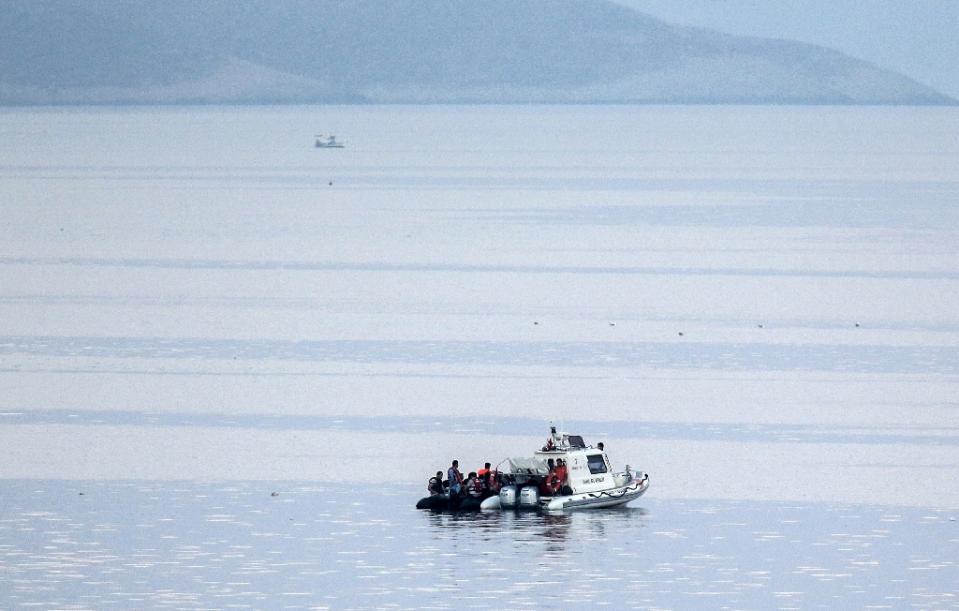 migrants boat sink