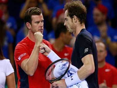 .. Andy Murray celebrates with captain Leon Smith after winning his match and reaching the Davis Cup. Photo: ukmirror