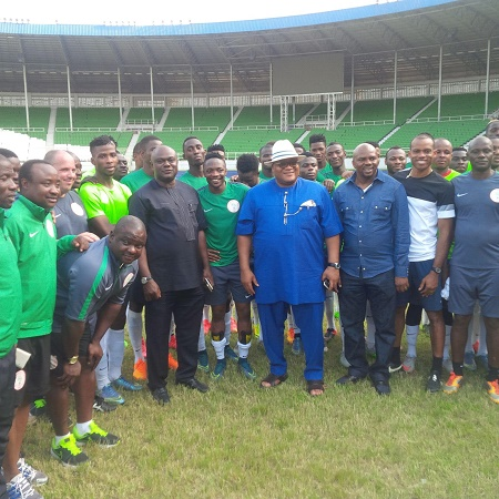 Representative of Rivers State Governor, Nyesom Ezenwo Wike , Secretary to State Government, Chief Kenneth Kobani(in blue) with members of the Super Eagles at the Adokiye Amasiemaka Stadium in Port Harcourt on Monday.