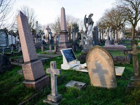 If the service proves popular, authorities will look about expanding it to the rest of the capital's 133 cemeteries. PHOTO: AFP/FILE