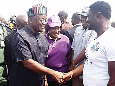 Benue State Governor Samuel Ortom (left), wife, Dr. Eunice Erdoo Ortom and Senior Special Assistant on Youth Affairs, Mr. Terungwa Nyior during the commemoration of World Aids Day in Makurdi…yesterday