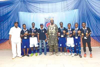 Director of Pepsi Football Academy, Chief Kasimawo Laloko (left); First MVP final match, Ugwegbu Franklin(Ibadan); second MVP final match, Abass Mohammed(Kano); Brand Manager Seven Up Bottling Company Plc, Mr. Segun Ogunleye; Former Super Eagles' coach, Chief Adegboye Onigbinde; MVP match 2, Sanisu Kehinde (Ibadan); MVP opening match, Mohammed Umar (Kano); First MVP third place match, Ndukwe Daniel (Aba) and Second MVP third place match, Adegbesan Samuel (Lagos) at the Pepsi Football Academy Festival of Youth Gala Night held in Lagos… at the weekend.