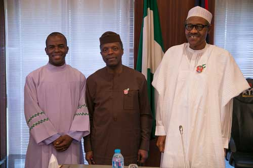 Rev-mbaka-visits-aso-rock