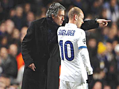 Mourinho with Sneijder…planning ahead