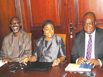 Chief Executive Officer, Association of Nigeria Electricity Distributors, Azu Obiayo (left); Managing Director, Benin Electricity Distribution Plc, Mrs. Olufunke Osibodu; and  Executive Director, Commercial, Abu Ejoor, at a press conference in Lagos.