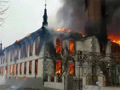 Mosque-on-fire