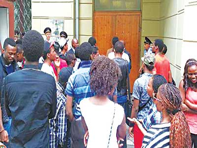 Nigerian students protesting at the Nigeria Embassy in Russia