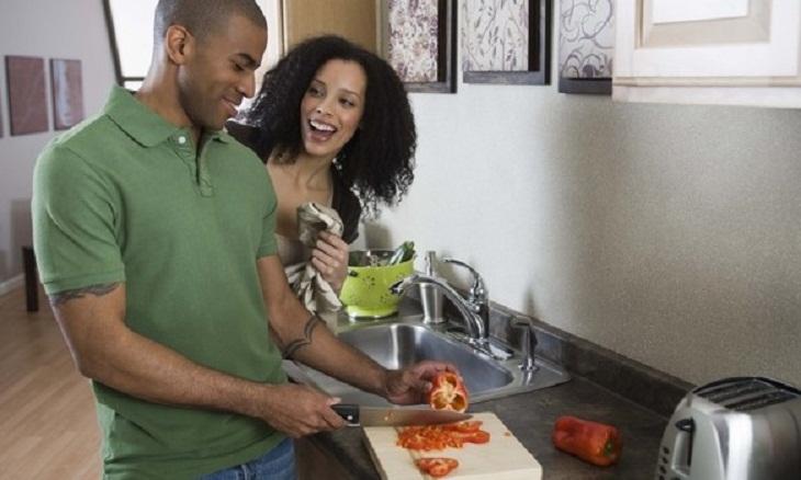black-man-cooking-lifemag