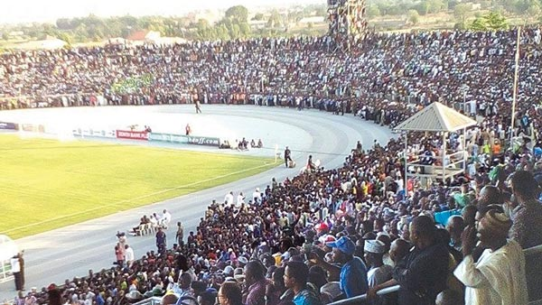 One of the largest crowds witnessed in Nigerian football in recent time. Fans climbed camera stands, scoreboard and floodlight towers to watch Eagles against Pharaohs in Kaduna last Friday.
