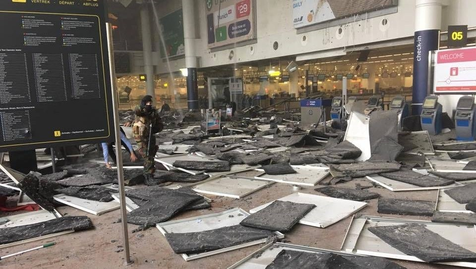 Explosions hit Brussels Airport