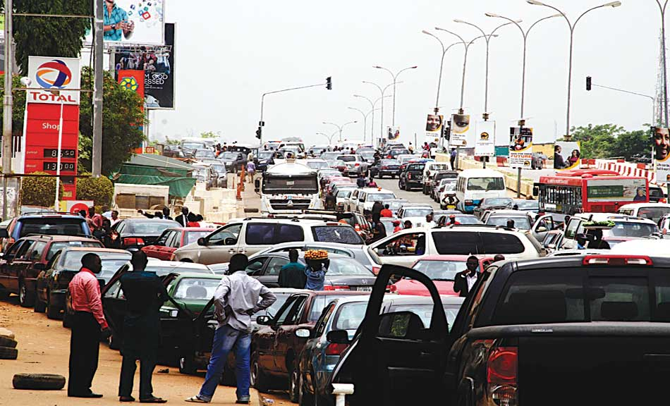 Fuel queues along Herbert Macaulay Way, Central Area, Federal Capital Territory (FCT), Abuja …yesterday PHOTO: LADIDI LUCY ELUKPO.