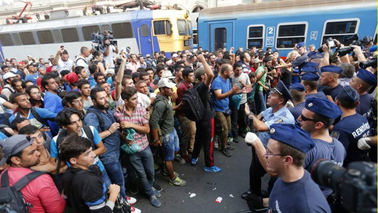 Migrant Crisis: The Footage the Media Refuses to Broadcast – The Realist Report