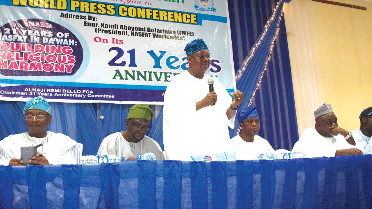 Chairman, NASFAT 21 years Anniversary, Alhaji Ismaila Remi Bello (left); Member, NASFAT Council of Elders, Alhaji Yunus Olalekan Saliu; NASFAT President, Engr. Kamil Bolarinwa; Chairman NASFAT BOT, Alhaji AbdulLateef `Wale Olasupo; NASFAT Chief Missioner, Alhaji Abudllahi Gbade Akinbode at the World Press Conference organised in commemoration of NASFAT 21 years anniversary