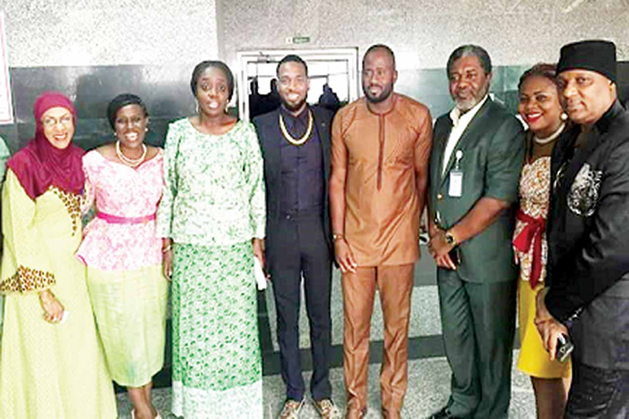 Hajia Aisha Halilu (left); Joke Silva; Minister of Finance, Kemi Adeosun; Dbanj; Hon Desmond Elliot; President, Association of Movie Producers (AMP), Ralph Nwadike; AMP Vice President, Chinasa Joy Onyechere; and Igwe Gabosky during the visit