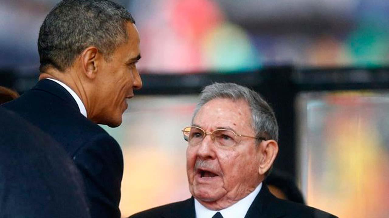 Barack Obama greets Cuba's president, Raul Castro PHOTO: theguardian.com