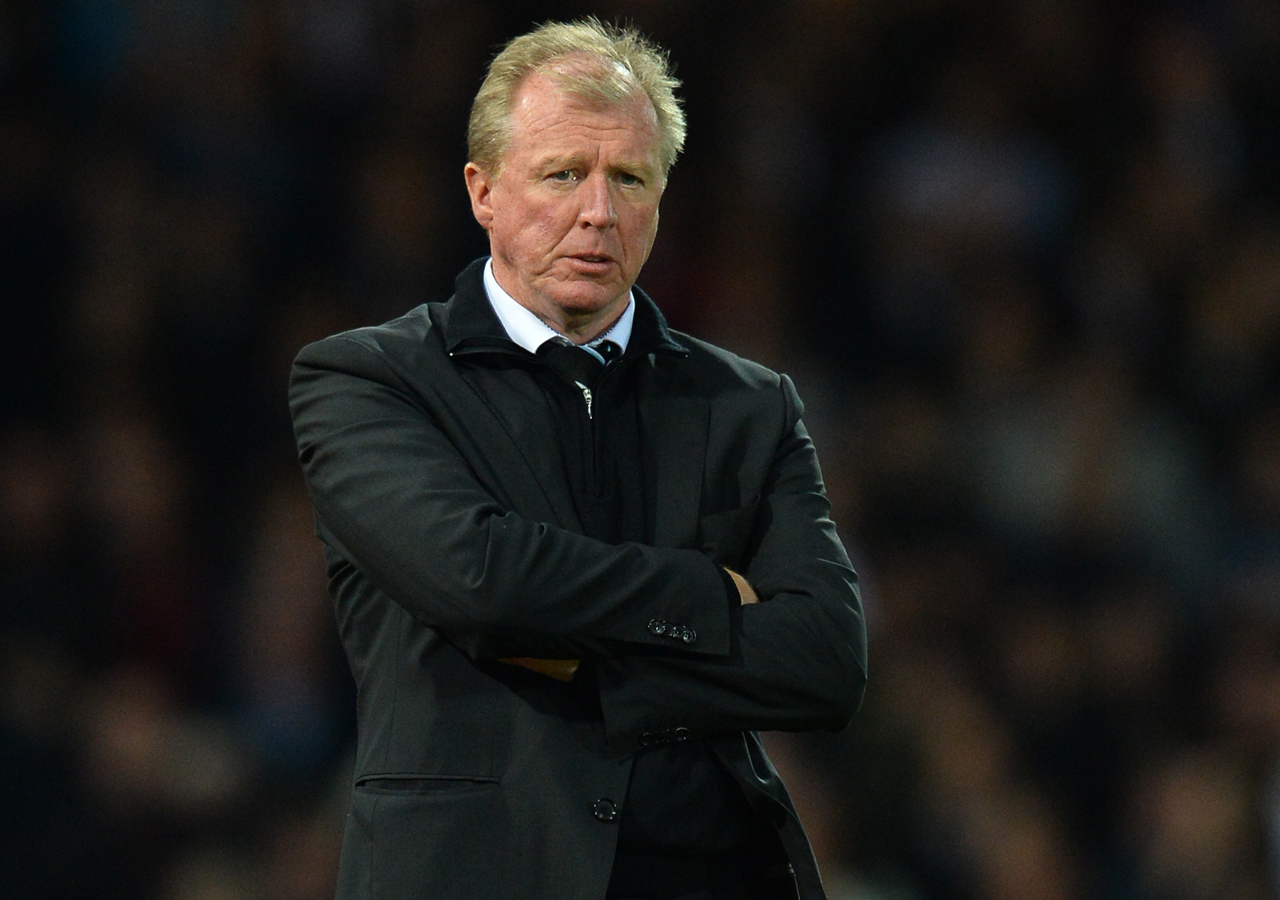 (FILES) This file photo taken on September 14, 2015 shows Newcastle United's English head coach Steve McClaren watching his players during the English Premier League football match between West Ham United and Newcastle United at The Boleyn Ground in Upton Park, East London. Newcastle United have sacked head coach Steve McClaren the club announced in a statement on March 11, 2016. / AFP / GLYN KIRK / RESTRICTED TO EDITORIAL USE. No use with unauthorized audio, video, data, fixture lists, club/league logos or 'live' services. Online in-match use limited to 75 images, no video emulation. No use in betting, games or single club/league/player publications. /