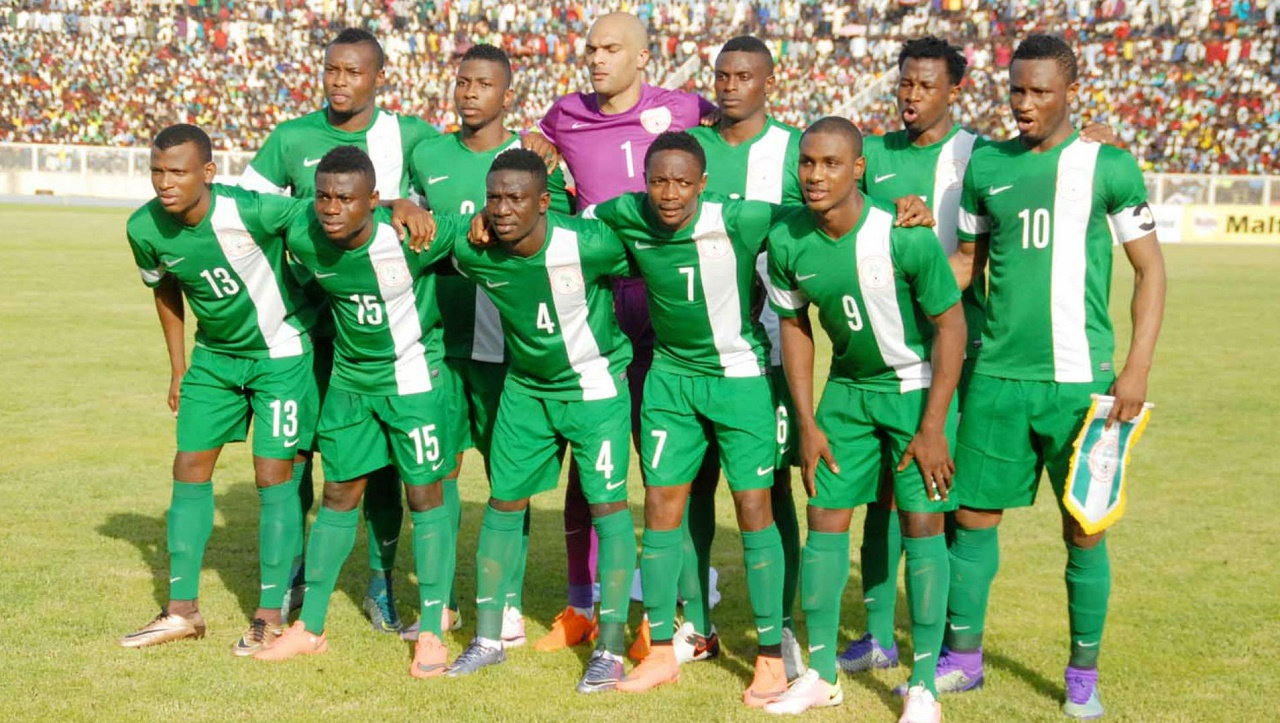 Super Eagles players pose for a photograph before the game against Egypt at the ahmadu Bello Stadium in Kaduna on Friday, March 25, 2016. PHOTO: Goal.com