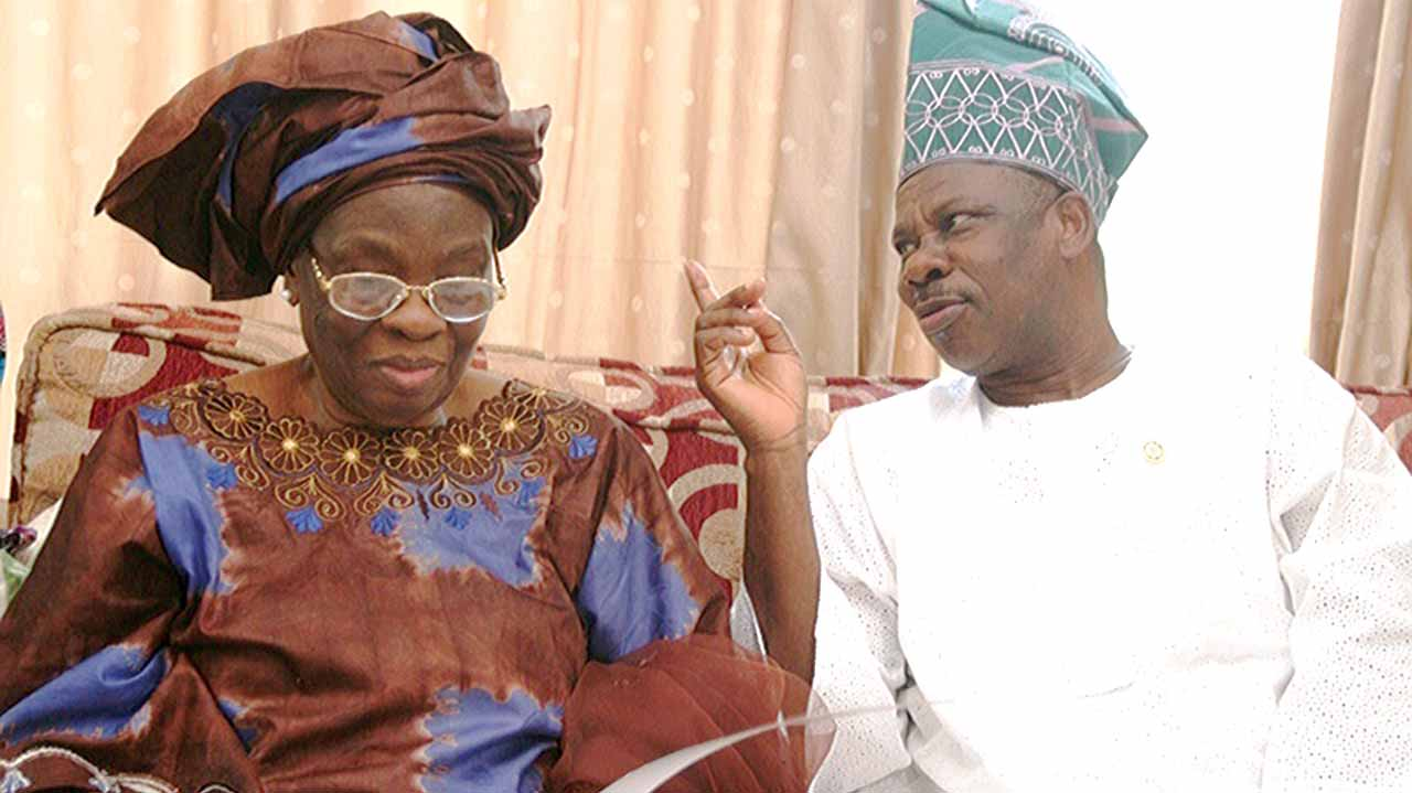 Ogun State Governor, Ibikunle Amosun (right) with widow of Dr. Tunji Braithwaite, Madam Grace at the family's residence in Lagos…yesterday