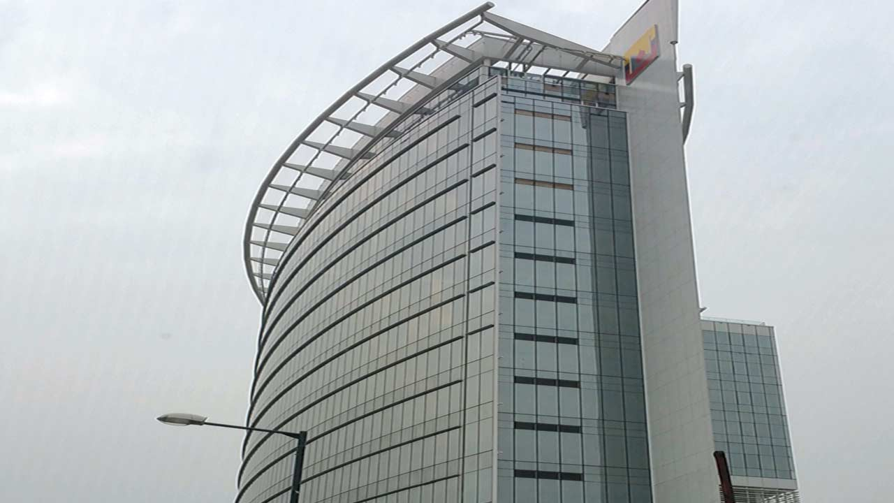 Nestoil Towers at the intersection of Akin Adesola Street and Saka Tinubu Street in Victoria Island, Lagos