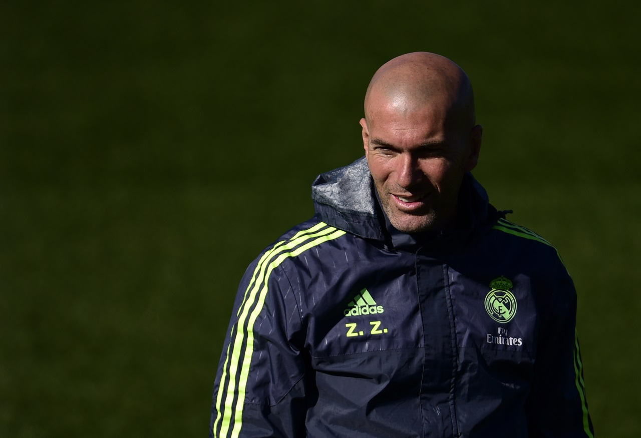 Real Madrid's French head coach Zinedine Zidane  / AFP / PIERRE-PHILIPPE MARCOU