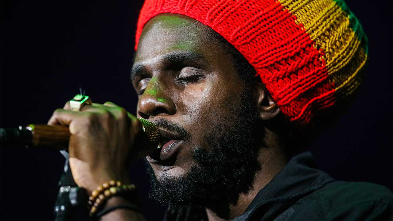 amaican Reggae musician Chronixx performs at the Bill Graham Civic Auditorium, in San Francisco, California. GABRIELLE LURIE / AFP