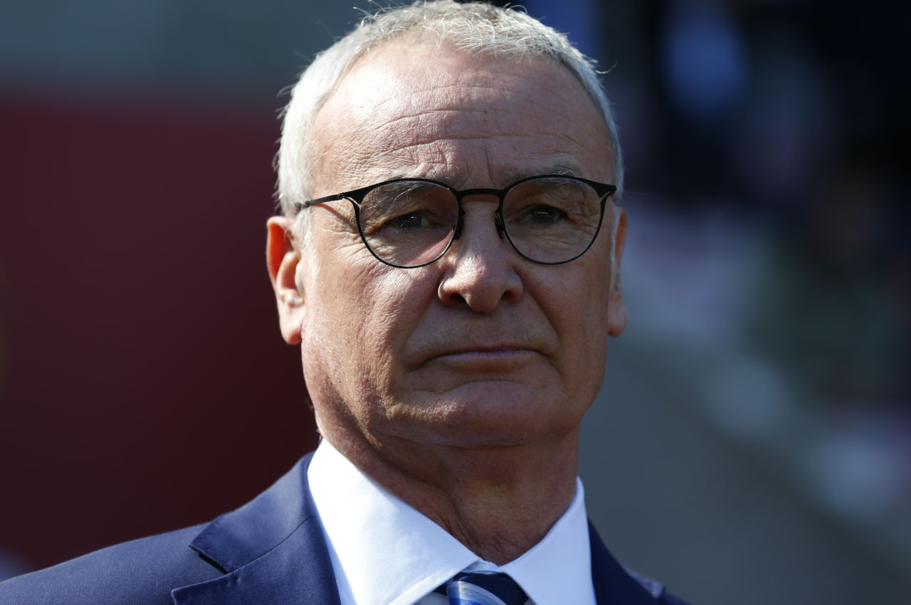 Leicester City's Italian manager Claudio Ranieri watches his players warm up ahead of the English Premier League football match between Sunderland and Leicester City at the Stadium of Light in Sunderland, northeast England on April 10, 2016. Leicester won the match 2-0. / AFP PHOTO / LINDSEY PARNABY /