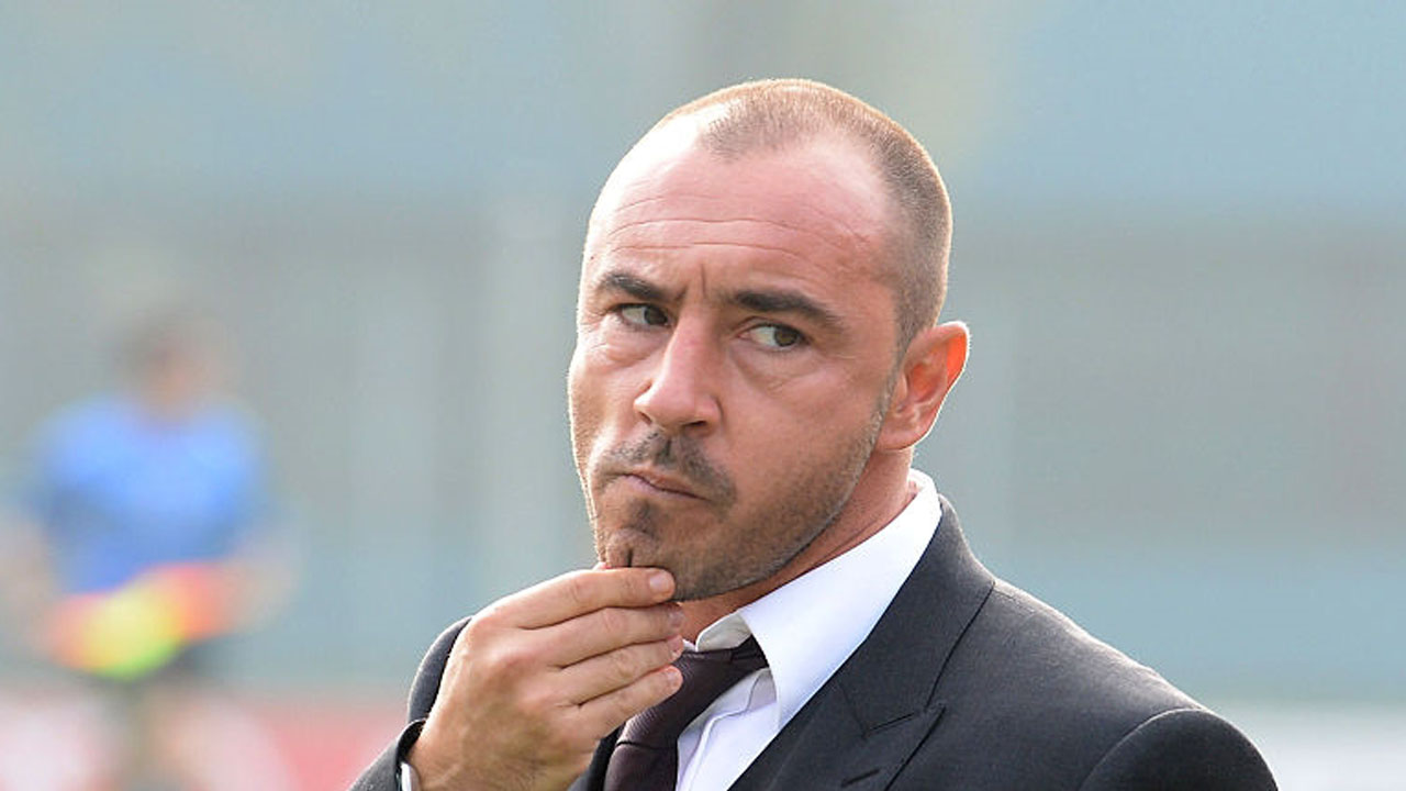 MILAN, ITALY - OCTOBER 19:  Head coach of Milan Christian Brocchi looks on  during the juvenile match between AC Milan and FC Internazionale on October 19, 2014 in Milan, Italy.  (Photo by Dino Panato - Inter/Getty Images/AFP)