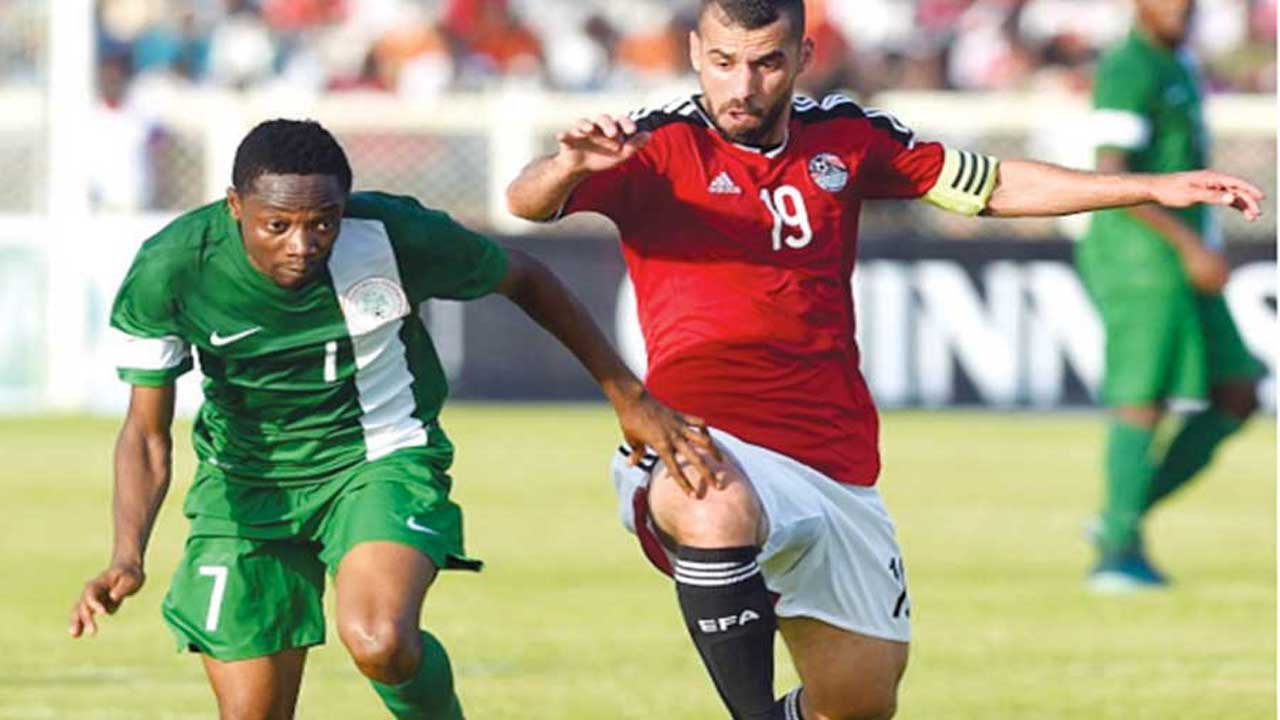 Egypt's Abdallah El-Said (right) vies with Nigeria's Ahmed Musa during their African Cup of Nations qualifier in Kaduna.
