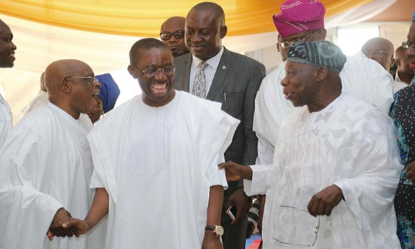 Delta State Governor, Senator Ifeanyi Okowa (middle), Former President, Chief Olusegun Obasanjo (right), and a former Governor of Ogun, Segun Oshoba at the funeral service of Late Mrs. Alice Emefiele, mother of the Governor of Central Bank of Nigeria, Mr. Godwin Emefiele at Agbor, Delta State …Yesterday.