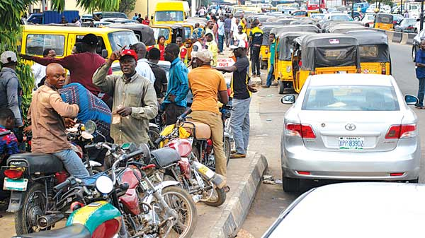Queue at filling stations in Lagos
