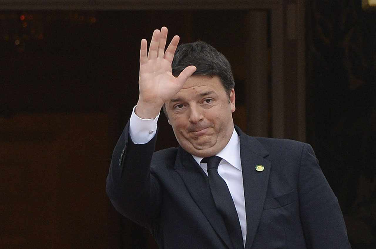 Matteo Renzi, Prime Minister of Italy, arrives for a working dinner at the White House March 31, 2016 in Washington, DC. World leaders are gathering for a two-day conference that will address a range of issues including ongoing efforts to prevent terrorist groups from accessing nuclear material.  / AFP / Olivier Douliery